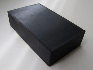 Magnet pokrytý gumou