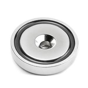 magnet v pouzdře s dierouo