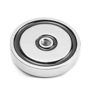 magnet v pouzdru se závitem přes celý magnet