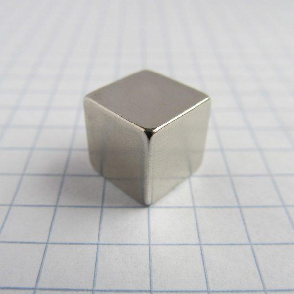 Neodymový magnet kostka 10x10x10 mm - N38