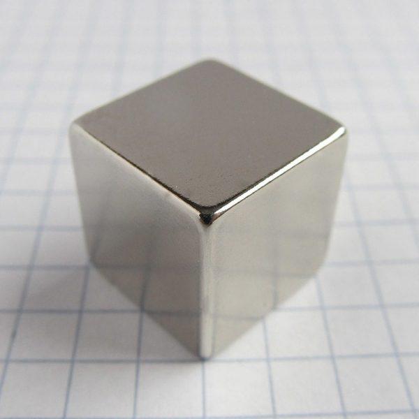 Neodymový magnet kostka 15x15x15 mm - N38