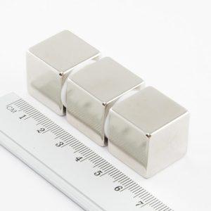 Neodymový magnet kostka 20x20x20 mm - N38
