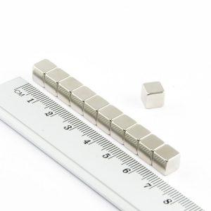 Neodymový magnet kostka 7x7x7 mm - N52