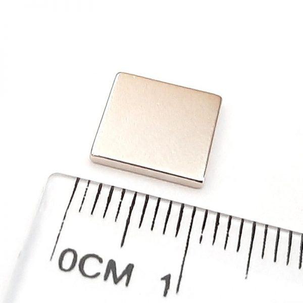 Neodymový magnet kvádr 10x10x1,2 mm - N38