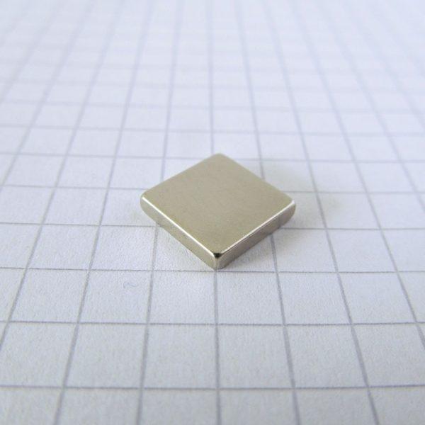 Neodymový magnet kvádr 10x10x2 mm - N38