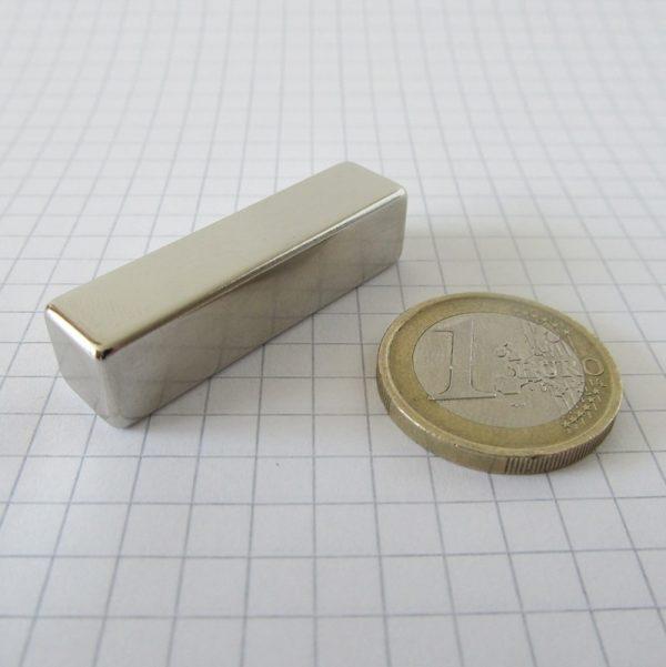 Neodymový magnet kvádr 40x10x10 mm - N38