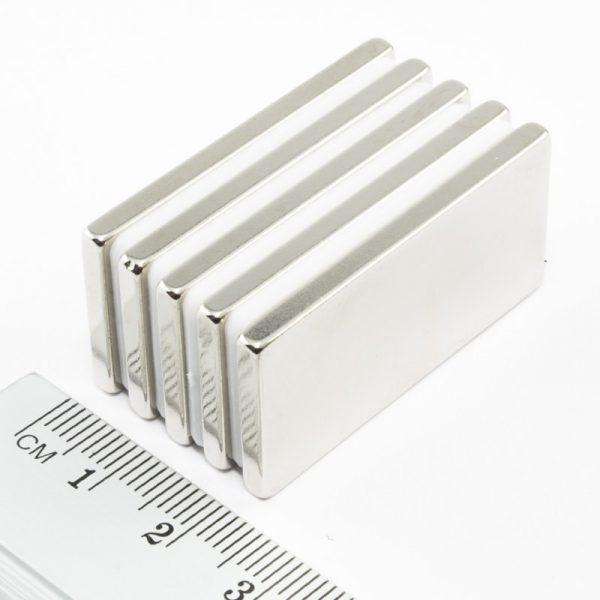 Neodymový magnet kvádr 40x20x3 mm - N38