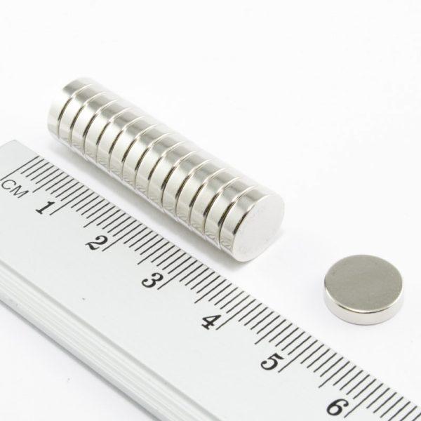 Neodymový magnet válec 10x2,7 mm - N25