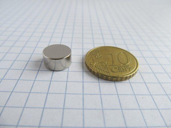 Neodymový magnet válec 10x5 mm - N25
