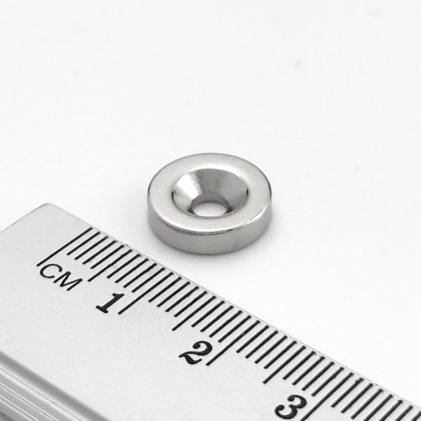 Neodymový magnet válec 12x3 mm s dírou M3 (jižní pól na straně s prohlubní) - N38