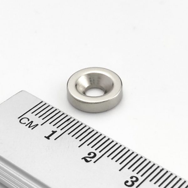 Neodymový magnet válec 12x3 mm s dírou M4 (jižní pól na straně s prohlubní) - N38