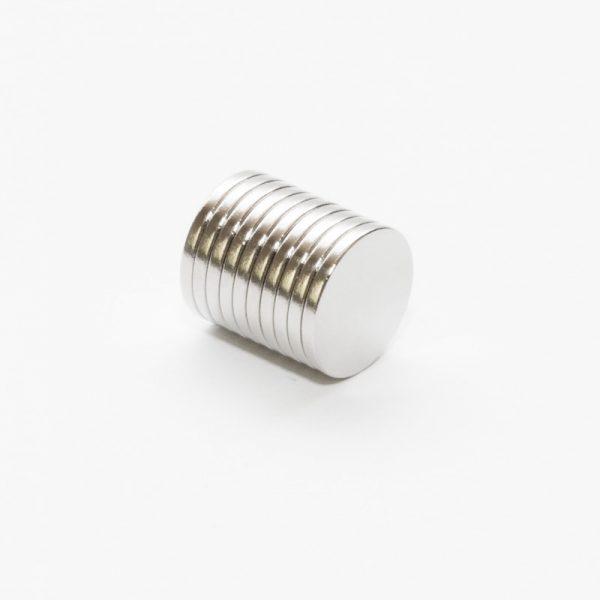 Neodymový magnet válec 14x1,5 mm Zn - N35