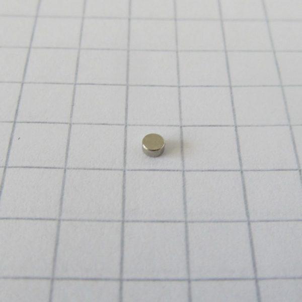 Neodymový magnet válec 2x1 mm - N45