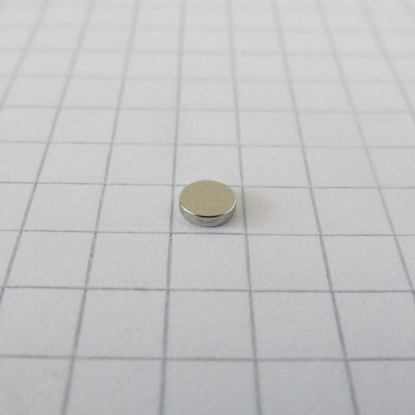 Neodymový magnet válec 4x1 mm - N52