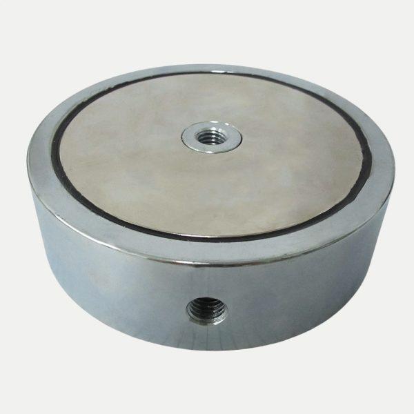 Magnet v pouzdře se závitem přes celý magnet 135x40 mm oboustranný